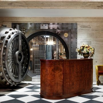 Luxury London guide: From traditions to modern trends